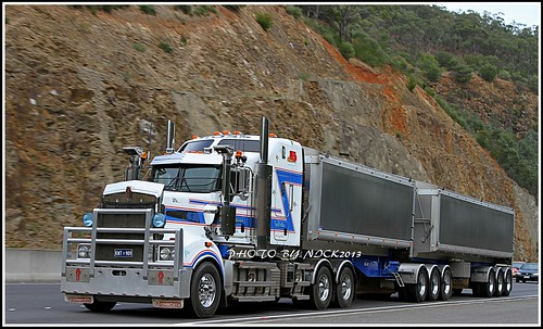 E.W & M.D Ross - Kenworth T909