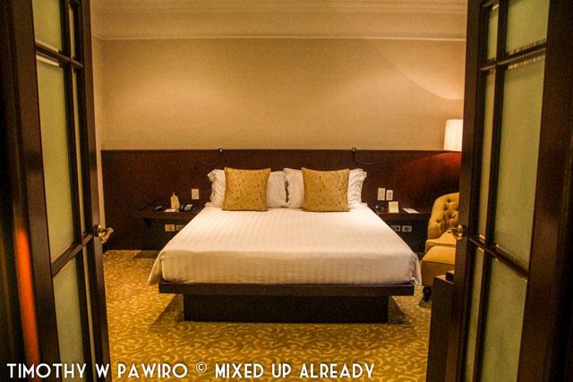 Philippines - Manila - Dusit Thani - Club Executive Suite - The bedroom