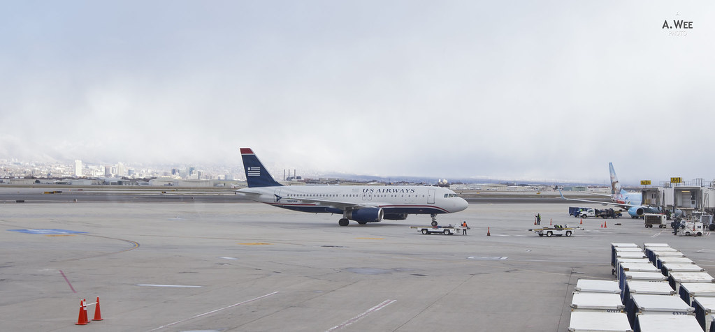 US Airways A320 arriving at SLC