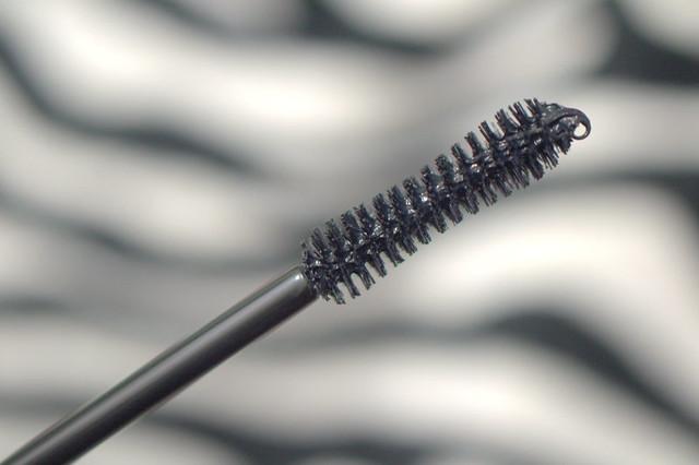 Younique Moodstruck 3D Fiber Lashes gel wand
