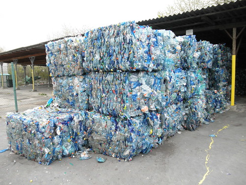 recycling_plasitic_bottles