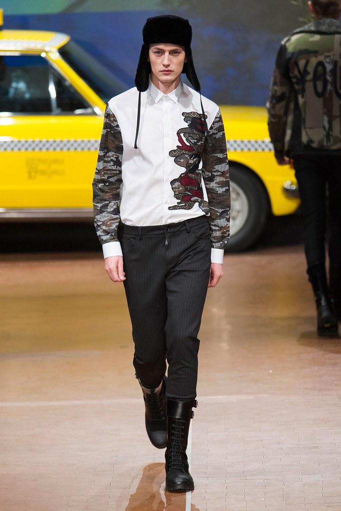 Jakob Hybholt4167_FW15 Milan Antonio Marras(fashionising.com)