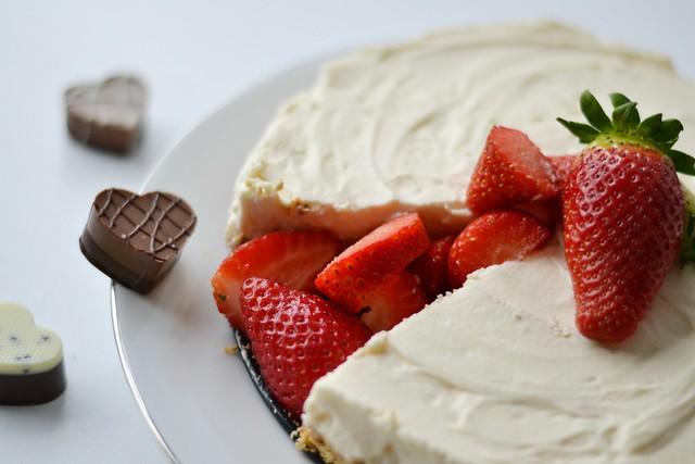 Lindtt Strawberries and Cream Chesecake 2