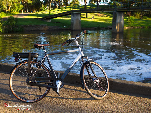 "Gazelle Orange C8 Hybrid M Impulse 2.0 • <a style=""font-size:0.8em;"" href=""https://www.flickr.com/photos/ebikereviews/16404562992/"" target=""_blank"">View on Flickr</a>"