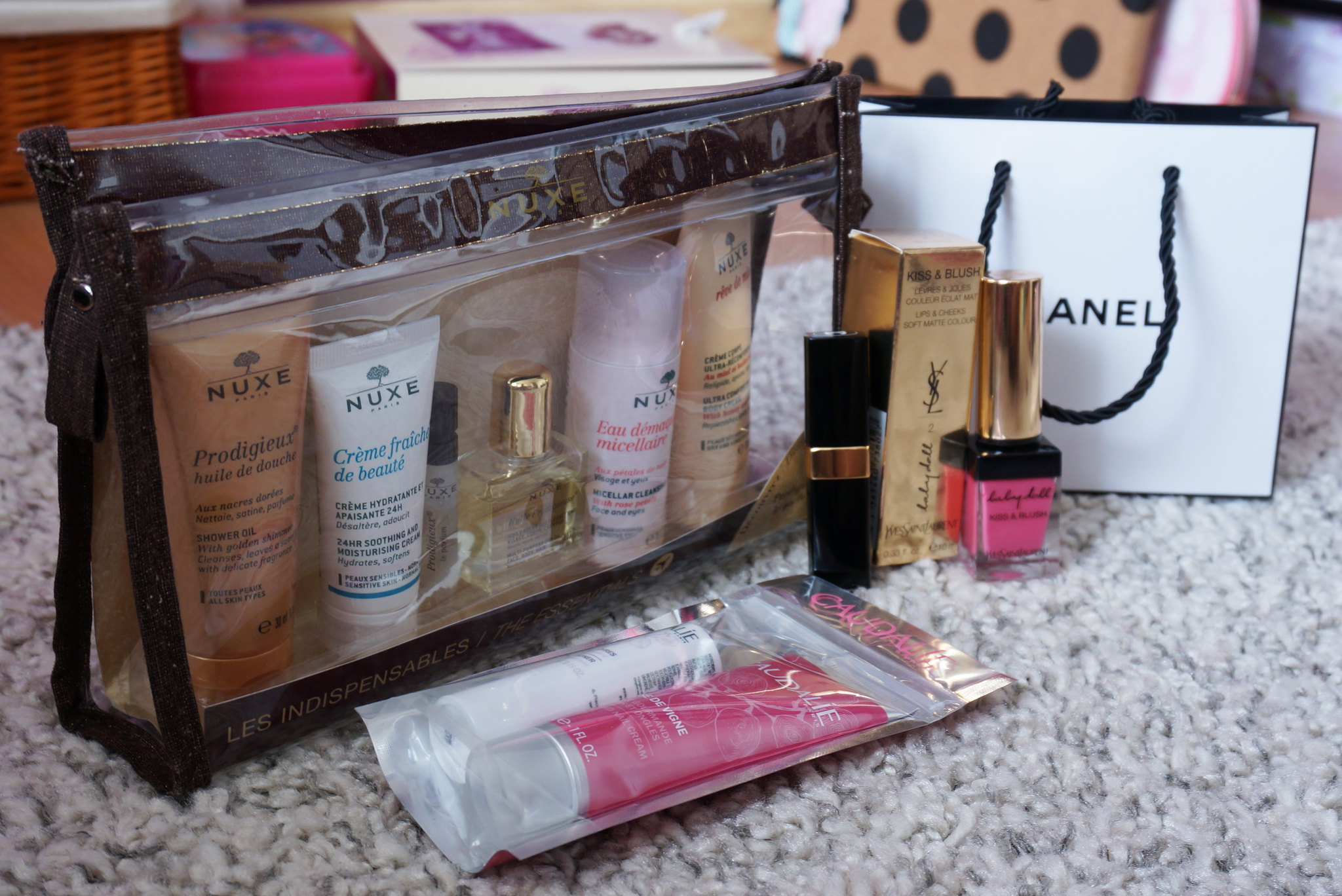 nuxe-travel-kit-caudalie-duo-rose-de-vigno-chanel-coco-rouge-shine-randezvous-ysl-kiss-and-blush