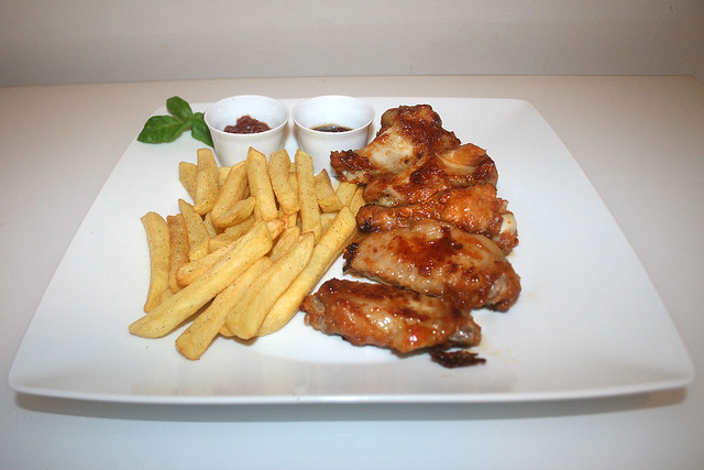 Chili Chicken Wings & Pommes Frites