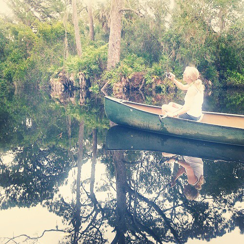 @luxurytravelmom on a luxury canoe through Oscar Scherer park