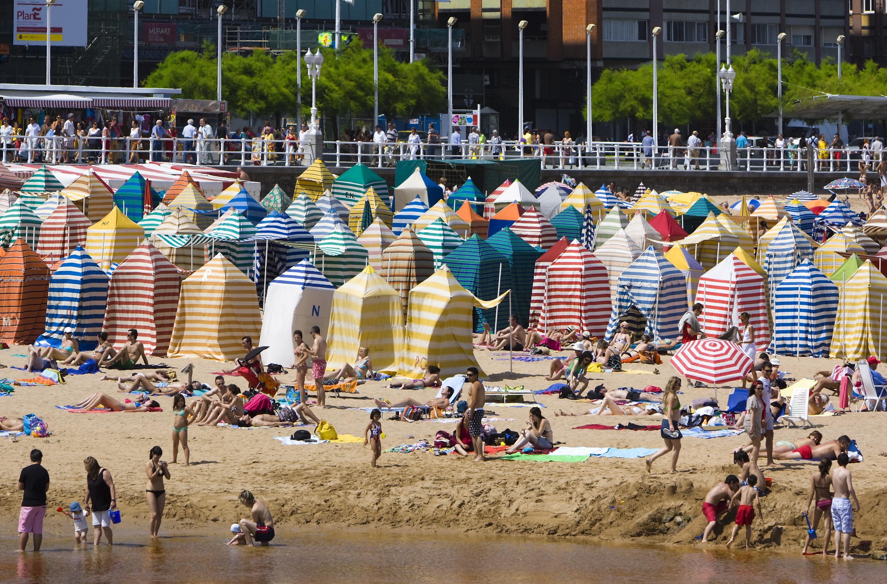 Playa de San Lorenzo, Gijón. Autora, Pilar Azaña