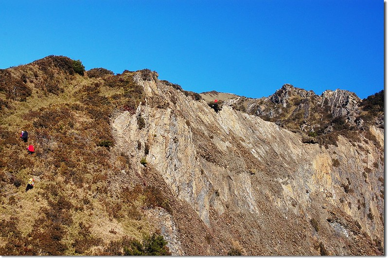 干卓萬斷崖(東南向西北望) 7
