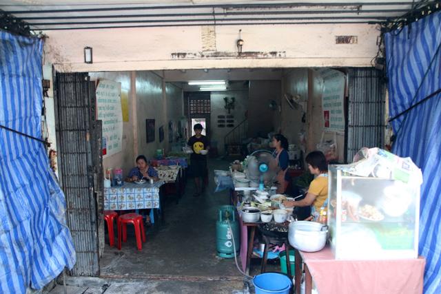 Neighborhood restaurant in Bangkok, Thailand