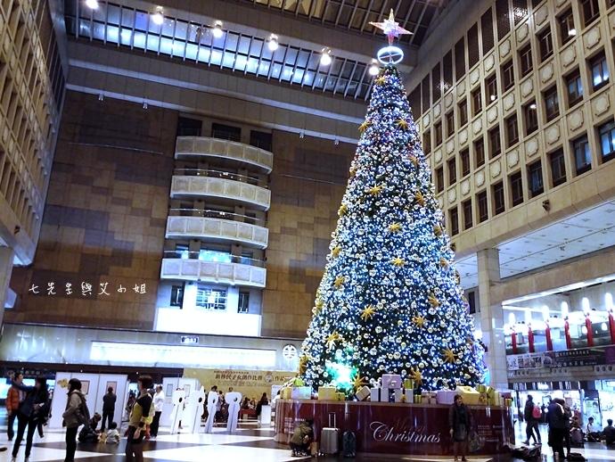 13 台北車站聖誕樹