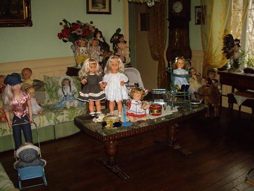 Les poupées de ma maison  11368177164_707ae2500b