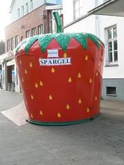 """Bude """"Erdbeere"""" mit Spargelverkauf"""