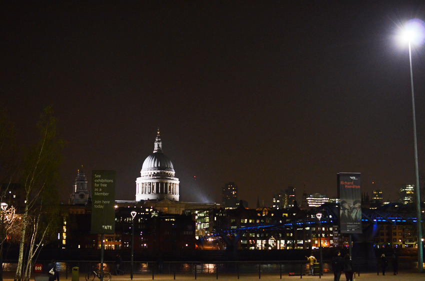 st pauls night time a