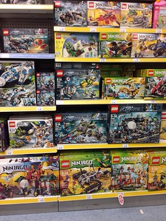 LEGO Summer Sets Found at Toys R Us