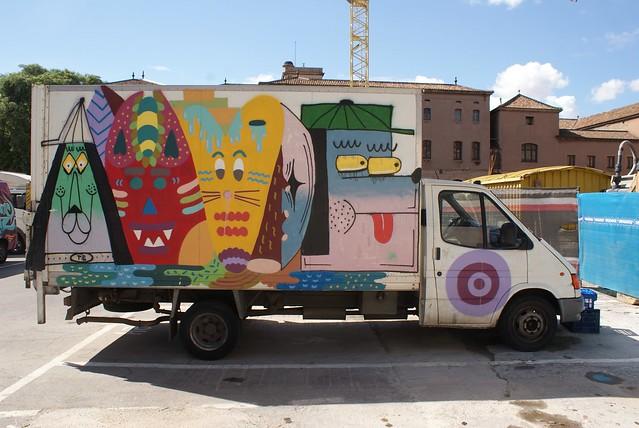 Camion de livraison de la boqueria. Une bande d'amis plutôt sympathique.