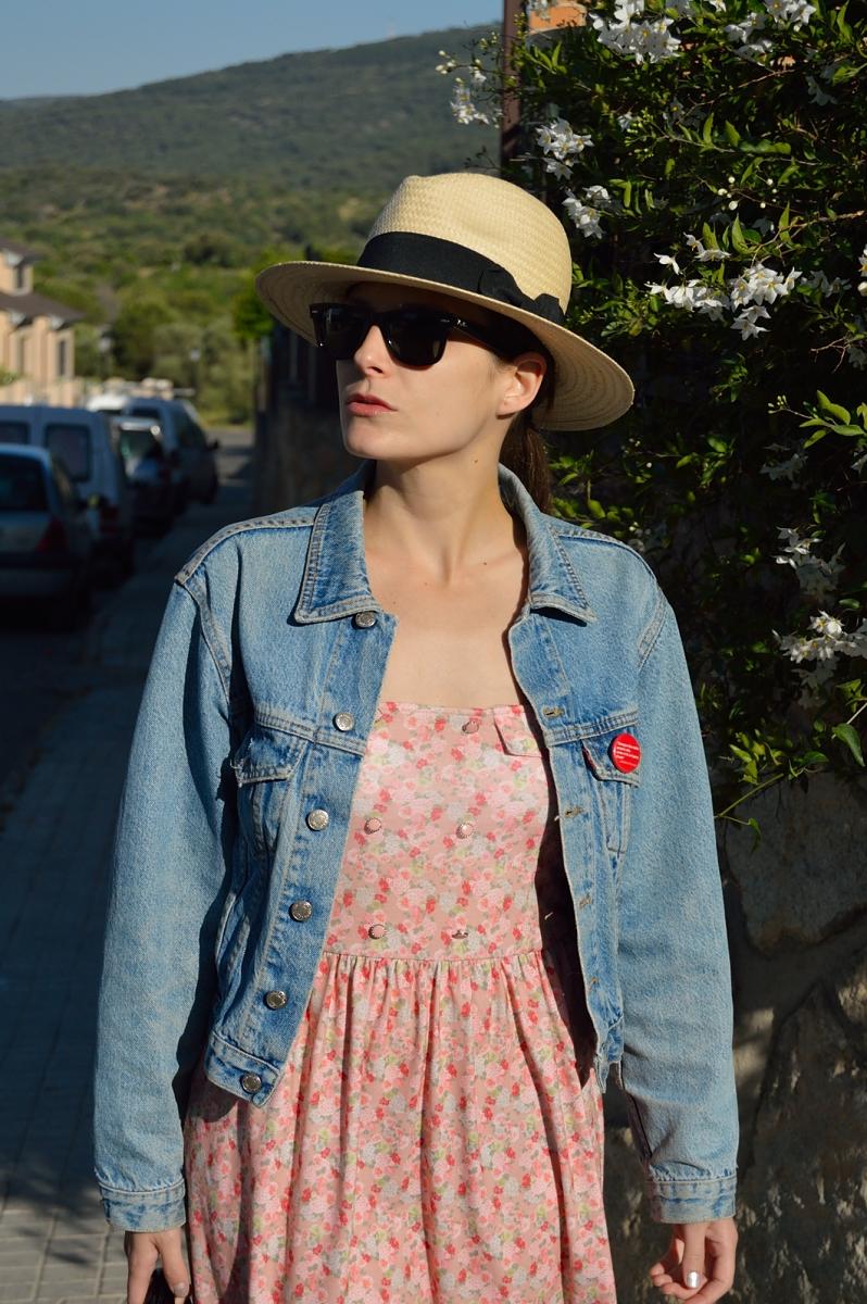 lara-vazquez-madlula-blog-style-spring-style-hat-flowered-dress
