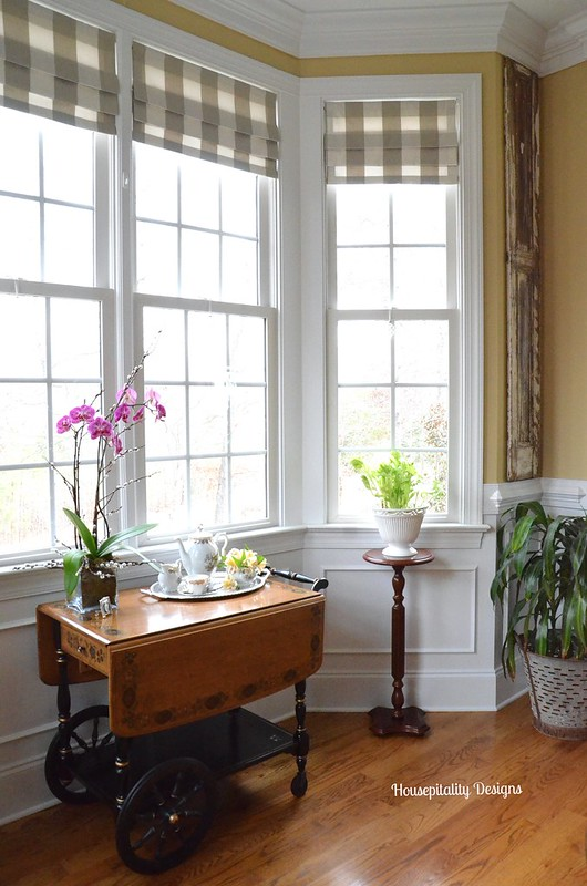 Dining Room Bay Window Area-Housepitality Designs