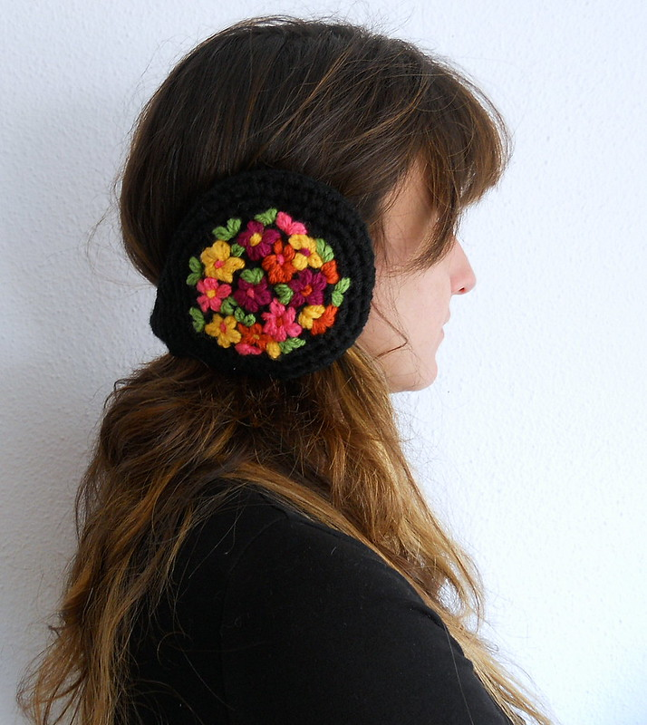 orejeras bordadas - embroidered earmuffs