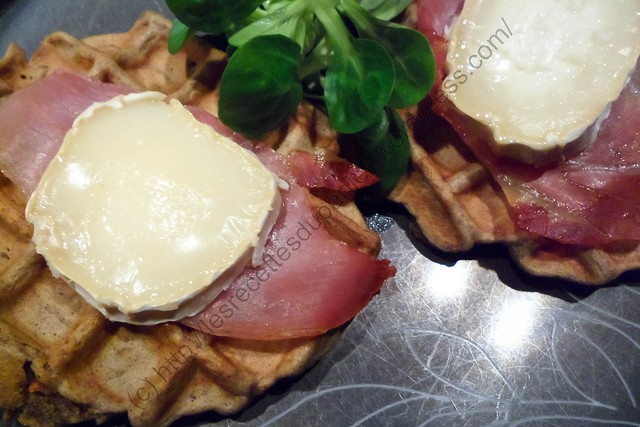 Gaufres gourmandes à la carotte, au chèvre et prosciutto / Greedy Waffles with Carrot, Goat Cheese and Prosciutto