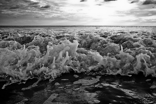 sunset bw texture beach blackwhite horizon wave bubbles pacificocean nicaragua upclose laboquita