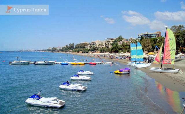 Муниципальный Пляж Афродайт. Кипр. Пляжи Лимассола