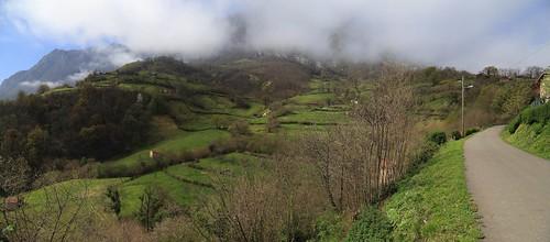 Asturias, Riosa, parroquia histórica de Santo Adriano de Llamo