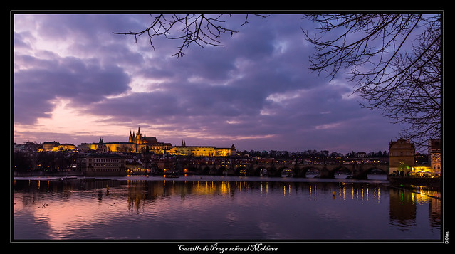 Castillo de Praga sobre el Moldava