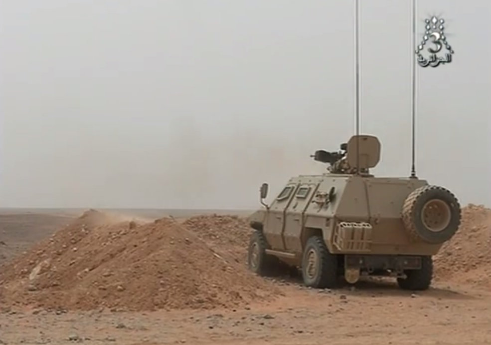 الصناعة العسكرية الجزائرية عربات ( النمر )  27789187691_abfa1e7b20_o