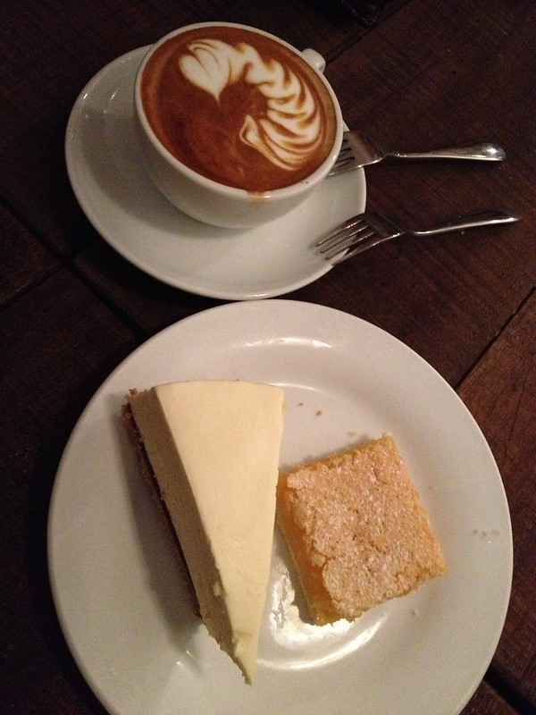 Cheese cake and lemon slice
