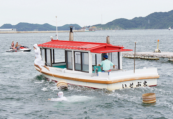 日本海女表演11