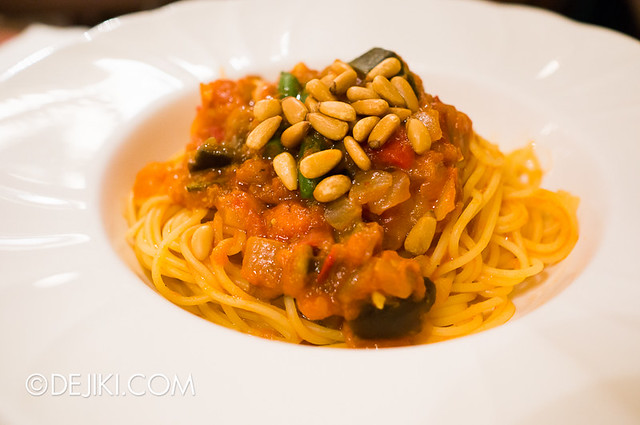 Tokyo Disneyland - World Bazaar / East Side Café / Spaghettini with Garden Vegetables and Tomato Sauce