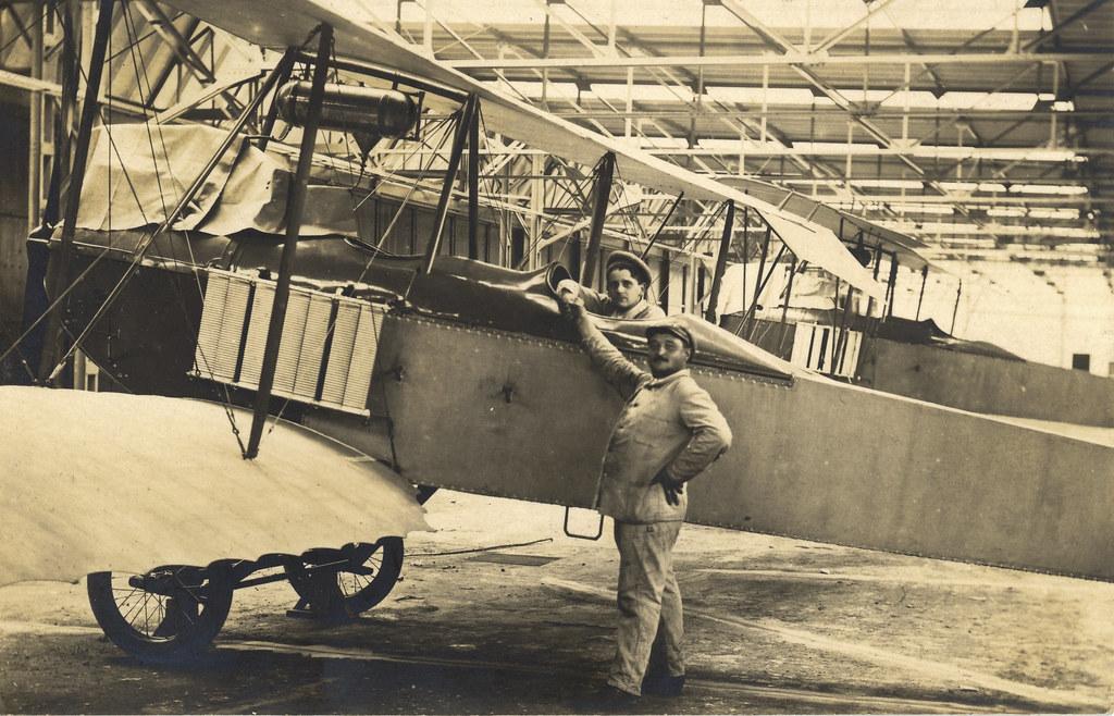 UNIDENTIFIED Biplane