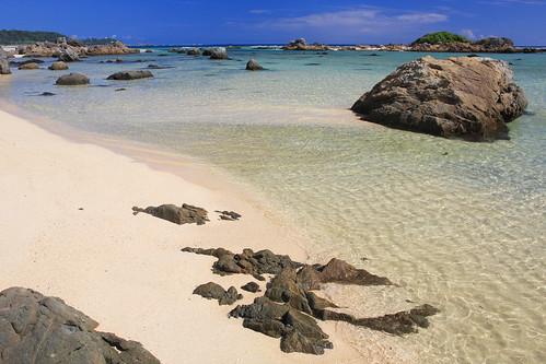 blue sea summer water rock japan landscape island sand paradise 鹿児島県 shore 日本 奄美大島 砂浜 楽園 amamiisland osebeach 亜熱帯 大瀬海岸