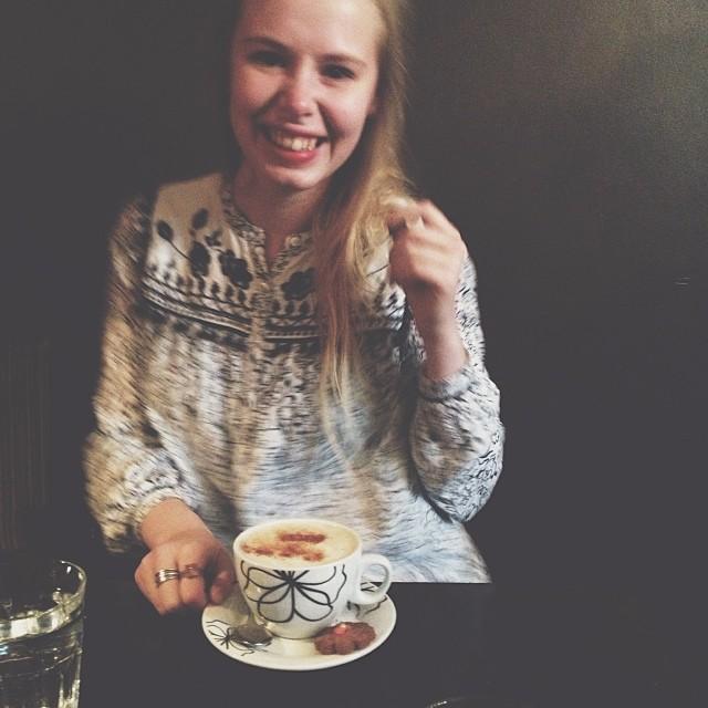 Söpöin kahvittelukaveri!!! ☕️ @alisabth
