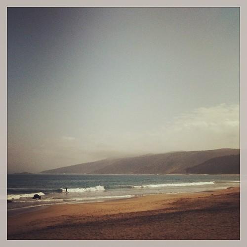 Playa Grande de Papudo by Miradas Compartidas