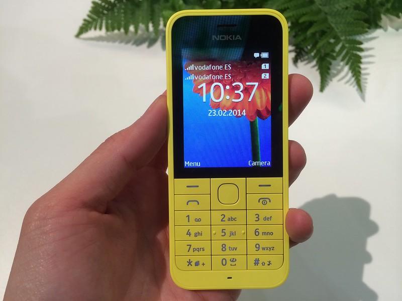 Nokia 220 - Front