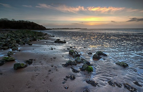 Estuary Sunset by iainw10