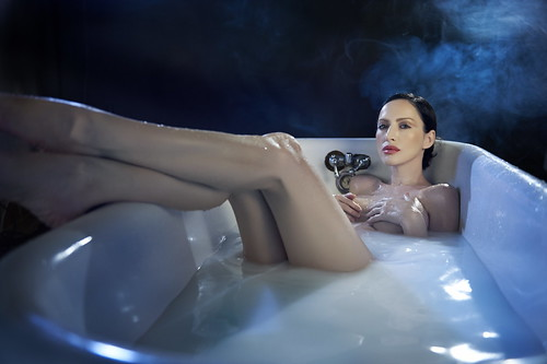 Evis 'In The Tub' 2