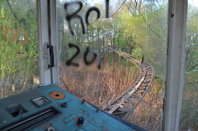 Spreepark Berlin Kulturpark Plaenterwald_abandoned amusement park_roller coaster control panel broken glass overgrown tracks