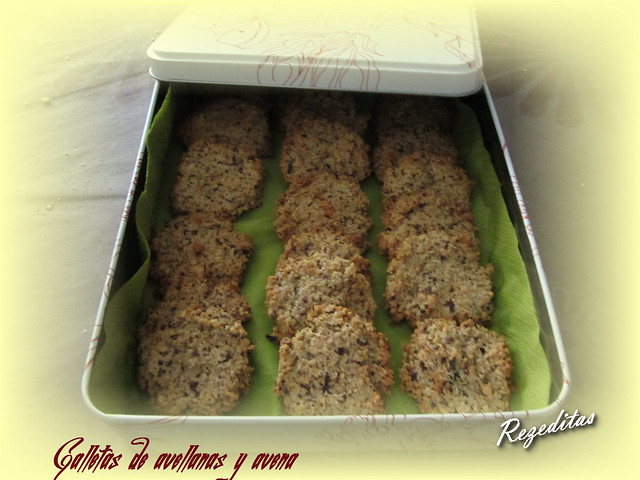 GALLETAS DE AVELLANAS Y AVENA