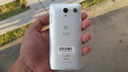 i-mobile IQX Ken ด้านหลัง