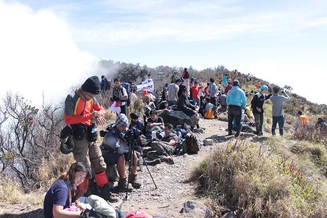 Suasana Puncak Gunung Sindoro