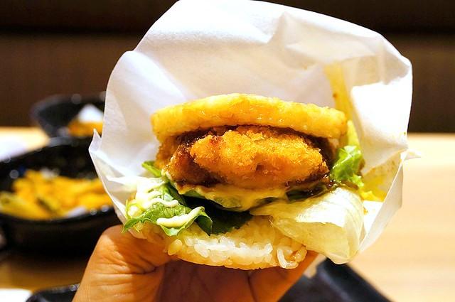 rice burger sushi king malaysia-002