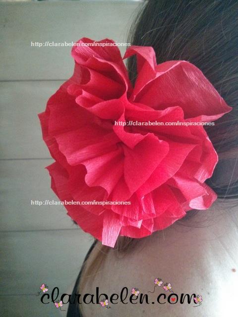 Flor de papel crepé