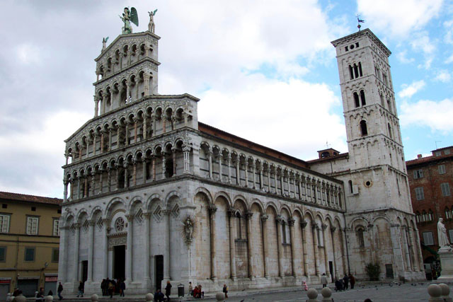 San Michele in Foro, Lucca. © Paco Bellido, 2003