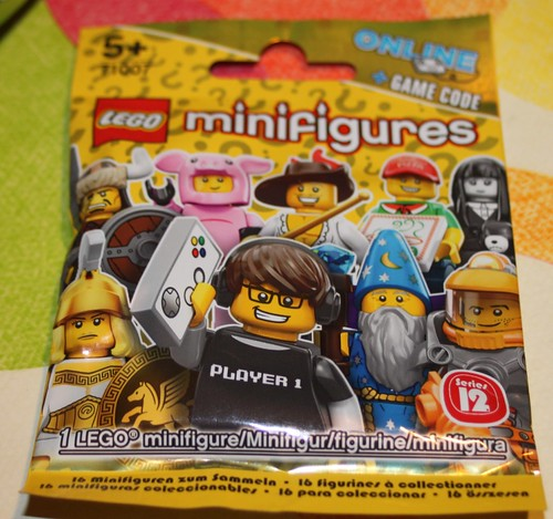 71007_LEGO_Minifig_Serie_12_04