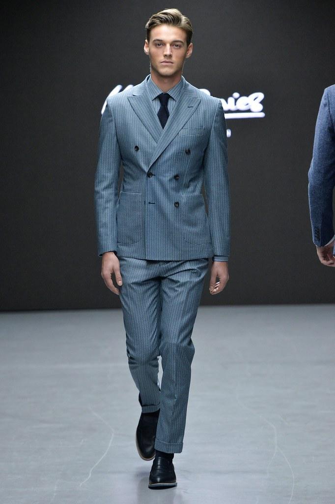 Robbie Wadge3698_FW15 London Hardy Amies(fashionising.com)