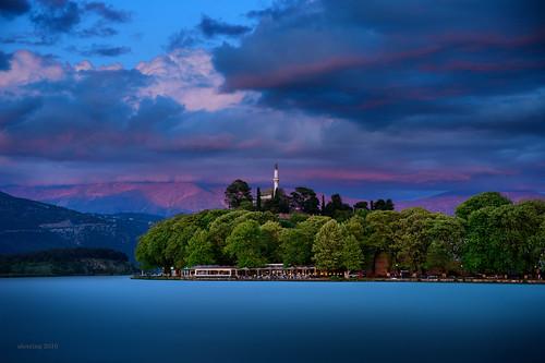 sunset lake clouds nikon greece d750 ηλιοβασίλεμα ioannina ελλάδα σύννεφα λίμνη pamvotis pamvotida ιωάννινα γιάννενα alexring παμβώτιδα παμβώτισ