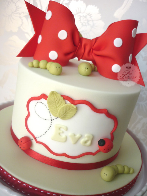 how to make a ladybird cake for a birthday